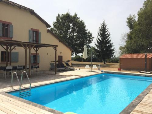 Villa Magna : Guest accommodation near Campagne-d'Armagnac