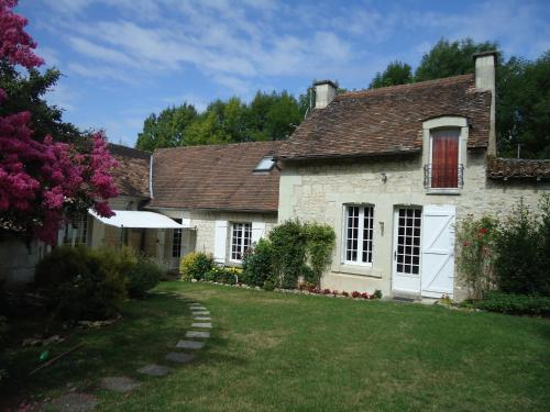 Le refuge du Pinail : Bed and Breakfast near Chenevelles
