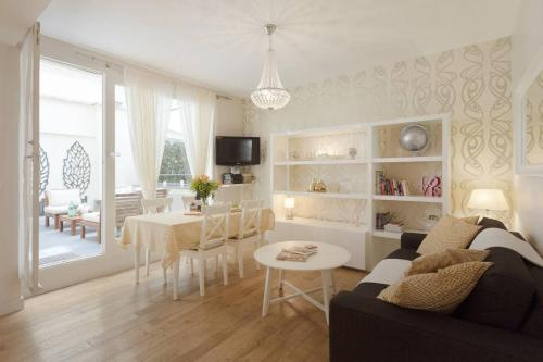 Apartment Boulevard Saint Michel : Apartment near Paris 5e Arrondissement