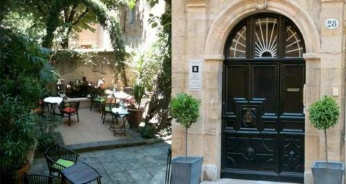 L'Hotel Particulier Le 28 : Bed and Breakfast near Aix-en-Provence