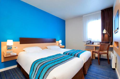 Kyriad Viry-Chatillon : Hotel near Lisses