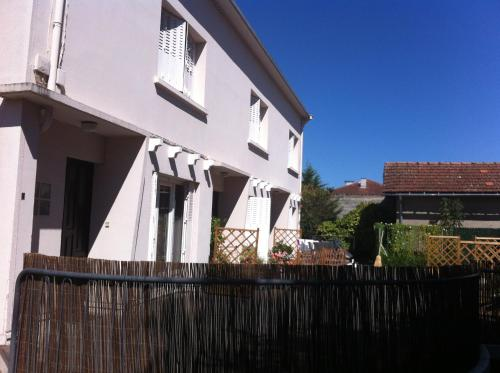 Charmant Appartement Lorraine : Apartment near Andrest