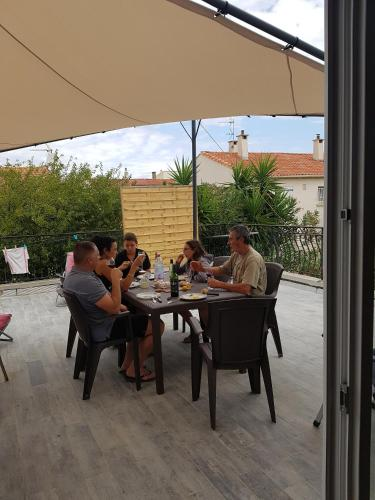 La Terrasse à Narbonne : Guest accommodation near Vinassan