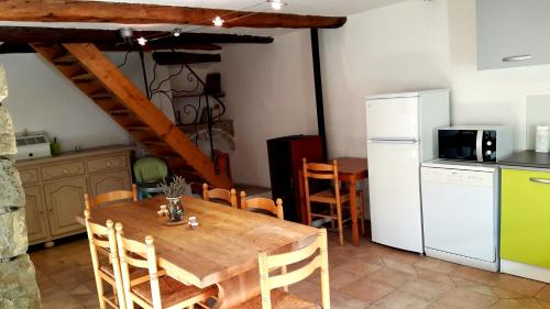 Holiday home Montblanc : Guest accommodation near Briançonnet