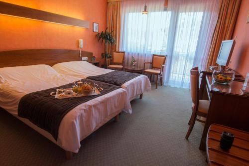 Hotel The Originals Aux Ducs de Lorraine (ex Relais du Silence) : Hotel near Saint-Hippolyte