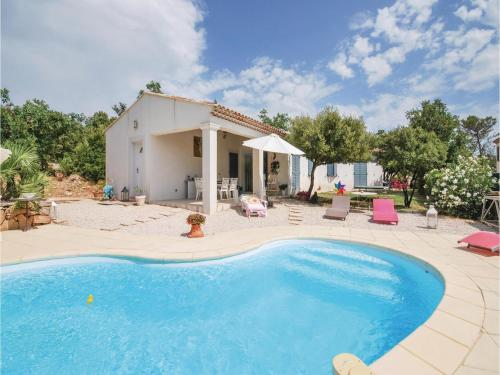 Three-Bedroom Holiday Home in Tourves : Guest accommodation near La Roquebrussanne
