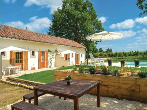 Two-Bedroom Holiday Home in Asnois : Guest accommodation near Saint-Romain