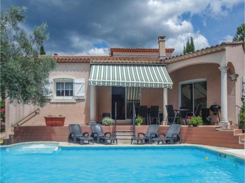 Four-Bedroom Holiday Home in Lamalou les Bains : Guest accommodation near Le Pradal
