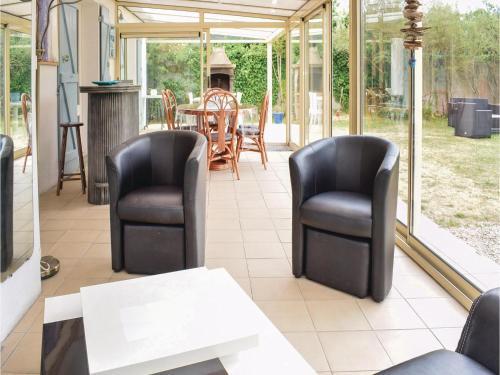 Three-Bedroom Holiday Home in St Jean de la Riviere : Guest accommodation near Saint-Sauveur-de-Pierrepont