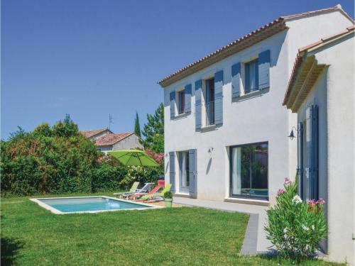 Three-Bedroom Holiday Home in Molleges : Guest accommodation near Verquières