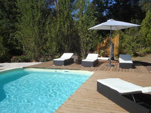 Patio bleu chambre d'hotes : Bed and Breakfast near Pierrefeu-du-Var