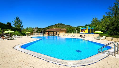 Village Vacances Leo Lagrange : Guest accommodation near Savoillan