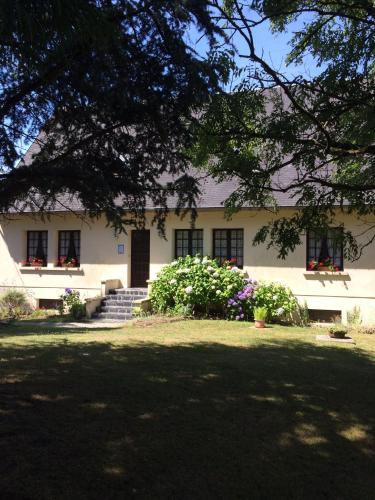 Chambre d'hotes La Montagne : Bed and Breakfast near Laulne