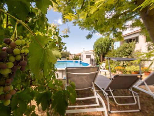 Les Chènevières maison avec piscine pour 6 personnes : Guest accommodation near Aubord