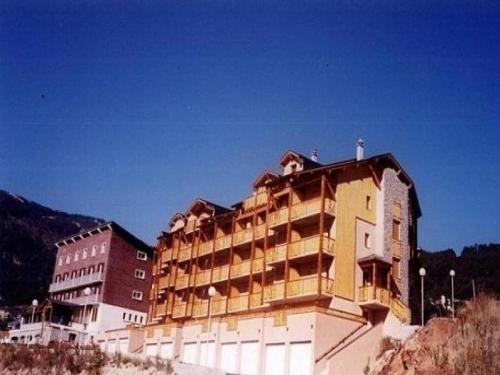 Apartment Les terrasses du llaret : Apartment near Les Angles
