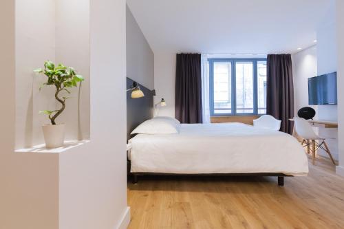Studio luxe hyper centre piscine : Bed and Breakfast near Bordeaux