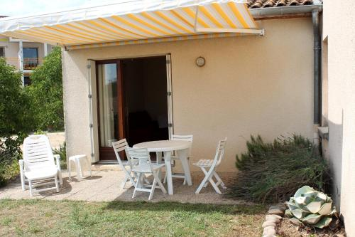 Holiday home rue Vallat Soutou : Guest accommodation near Saint-Julien-de-Peyrolas