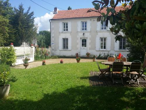 gite du moulin de Billonneau : Guest accommodation near Brie-sous-Archiac