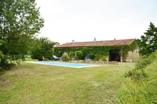 Les Roses d'Autan : Guest accommodation near Palleville