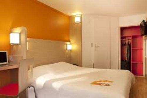 Premiere Classe Ales - Anduze : Hotel near Les Plans