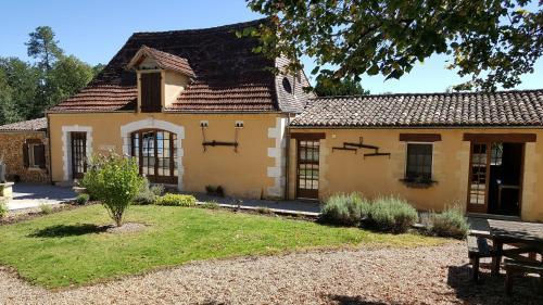 La Joubertie : Guest accommodation near Saint-Pierre-de-Chignac