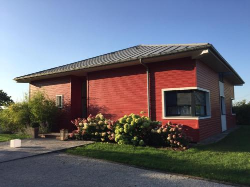 L'escale Aux Framboises : Bed and Breakfast near Sancourt