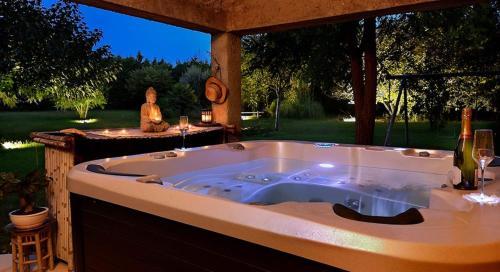 La Bonne Adresse De Provence : Guest accommodation near Plan-d'Orgon