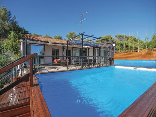 Three-Bedroom Holiday Home in Signes : Guest accommodation near Riboux