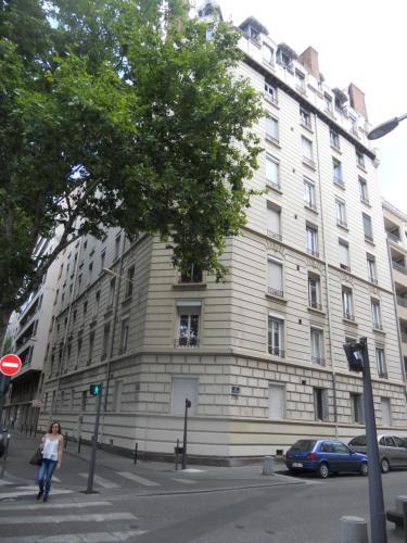 au 303 : Apartment near Lyon 8e Arrondissement