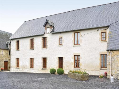 Three-Bedroom Holiday Home in Canchy : Guest accommodation near Cricqueville-en-Bessin