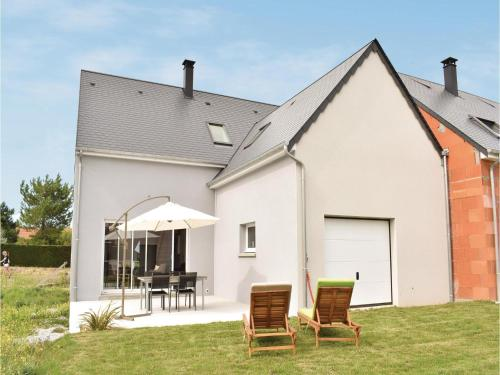 Two-Bedroom Holiday Home in Saint Germain sur Ay : Guest accommodation near La Haye-du-Puits