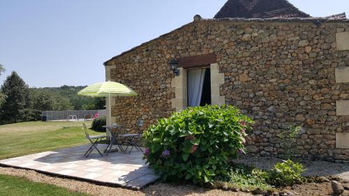 Chambres d'hotes La Joubertie : Bed and Breakfast near Saint-Pierre-de-Chignac