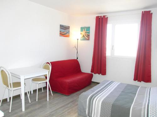 Studio vue sur mer : Apartment near Coquelles