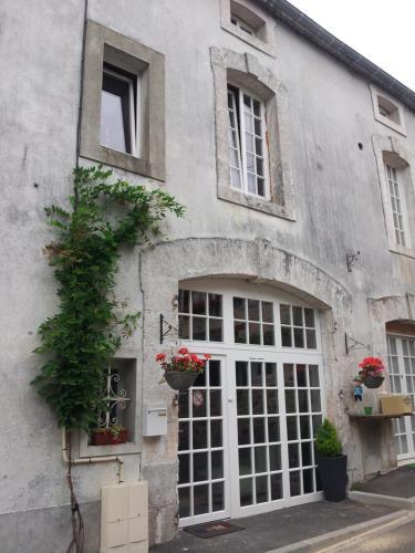 La Belle Maison : Guest accommodation near Oradour-sur-Vayres