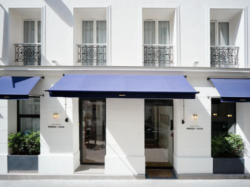 Hotel Rendez-Vous Batignolles : Hotel near Paris 17e Arrondissement