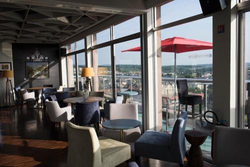 Hotel The Originals Thionville Le Concorde Panoramique (ex Qualys-Hotel) : Hotel near Zoufftgen