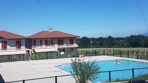 Domaine Privé le Parc : Guest accommodation near Vulbens