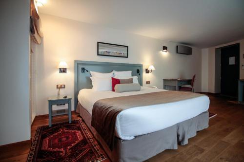 Hotel Vatel : Hotel near Cenon