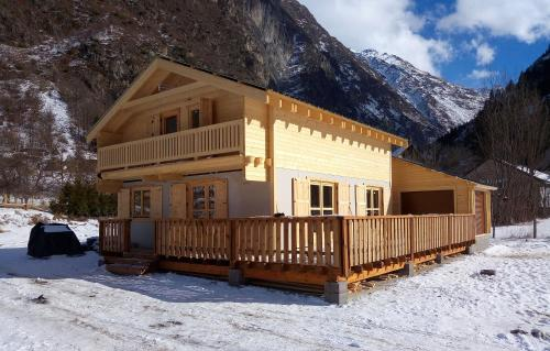 Odalys Chalet Le Melgueil : Guest accommodation near Saint-Christophe-en-Oisans