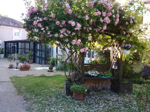 la Rosaliere : Bed and Breakfast near Yversay