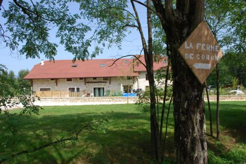 La ferme de Coron : Bed and Breakfast near Magnieu