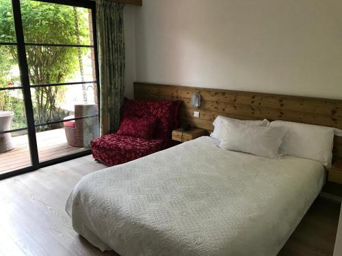 Le Vieux Logis de Clam : Hotel near Jarnac-Champagne