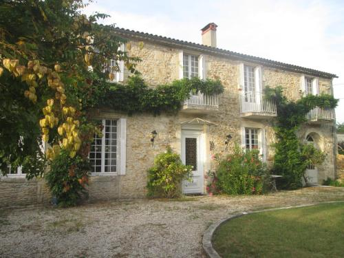 Chateau du Loch : Bed and Breakfast near Saint-Seurin-de-Cadourne
