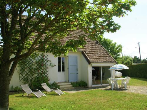 Maison De Vacances - St Germain-Sur-Ay : Guest accommodation near Lessay