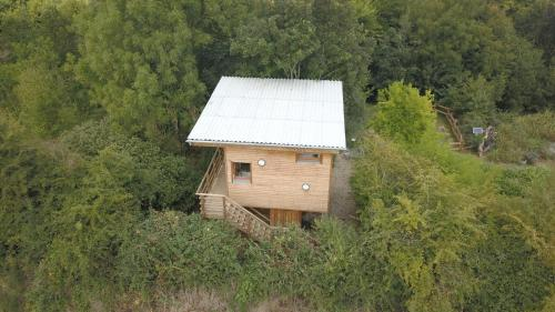 Cabane perchee : Guest accommodation near Guerville