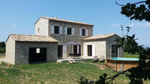 Mazet provençal de charme : Guest accommodation near Rochegude