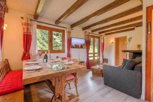 Chalet Le petit Dru : Guest accommodation near Les Houches