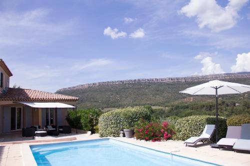 Villa Blue Mountain : Guest accommodation near Peynier