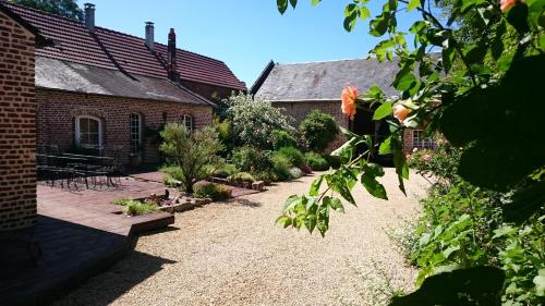 La Ferme Oasis : Bed and Breakfast near Antheuil-Portes