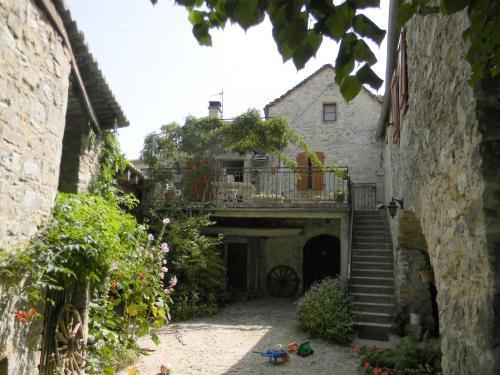 Maison de famille aux portes des Gorges du Tarn : Guest accommodation near Compeyre